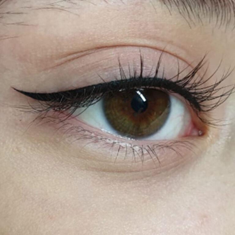 eyeliner di Rosa Maria Suarez